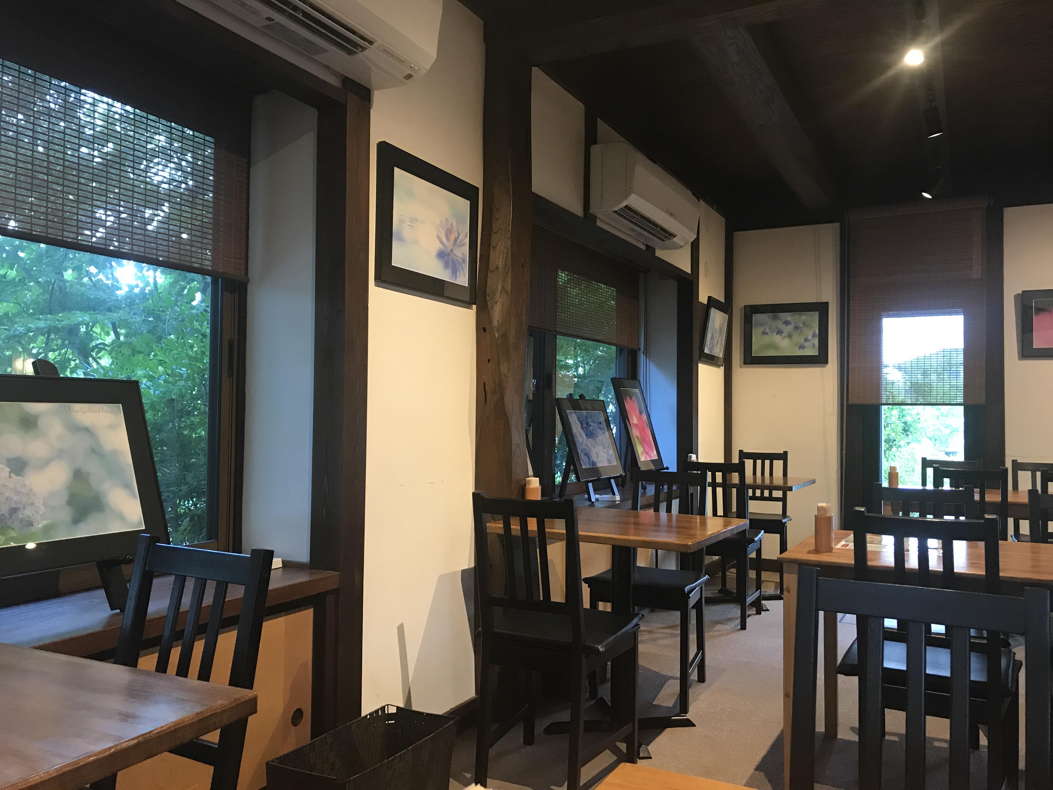 森の茶屋糧店内1