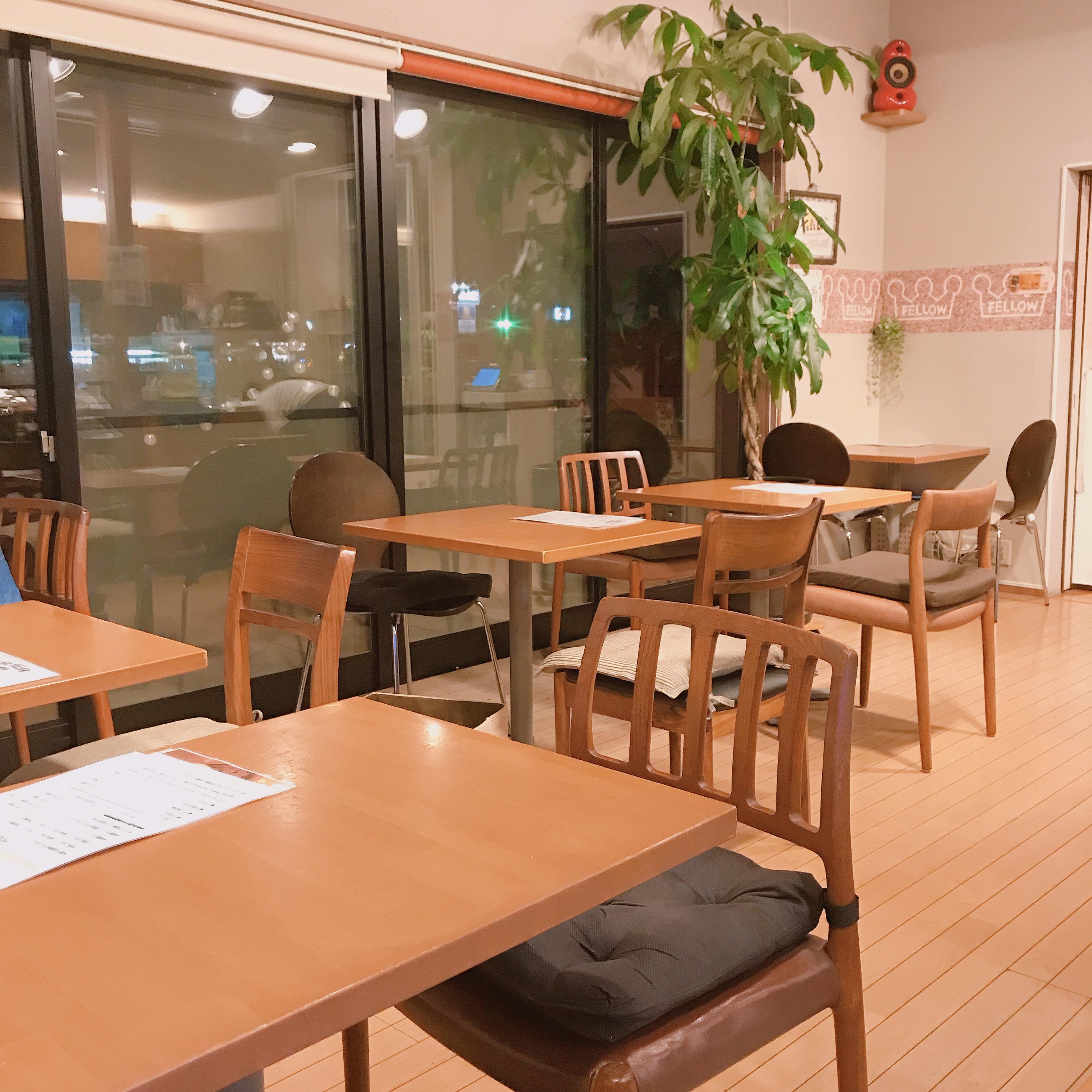 カフェフェロー店内1